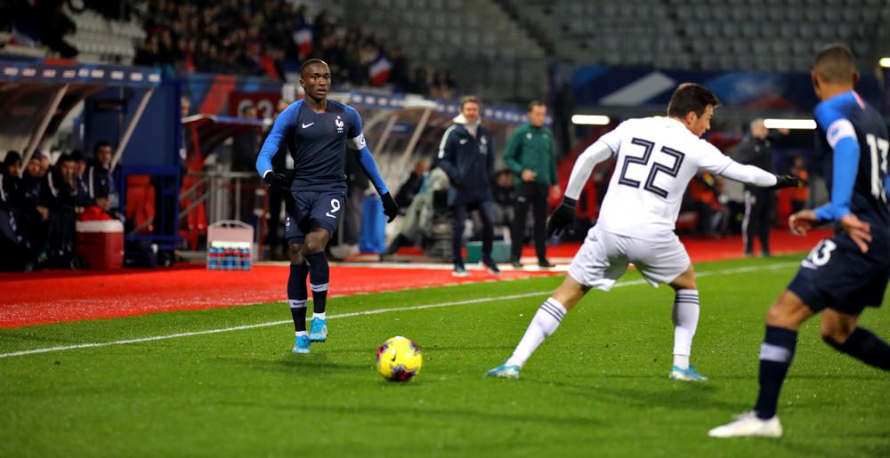 Jonathan Ikoné avec les Bleuets