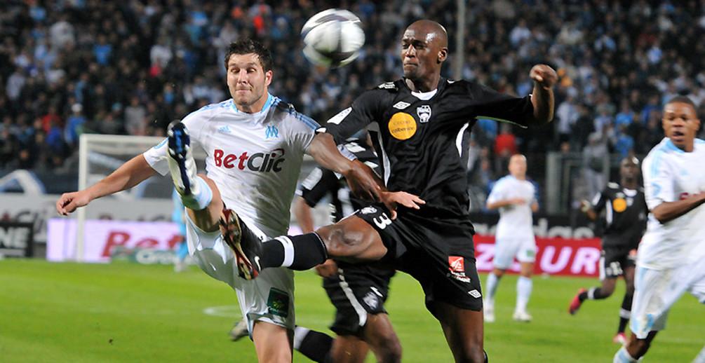 Avec un but marseillais entaché d'une faute et deux penaltys oubliés, l'ASNL n'a pas été heureuse au Vélodrome(photo:OM Meryl Diffusion).