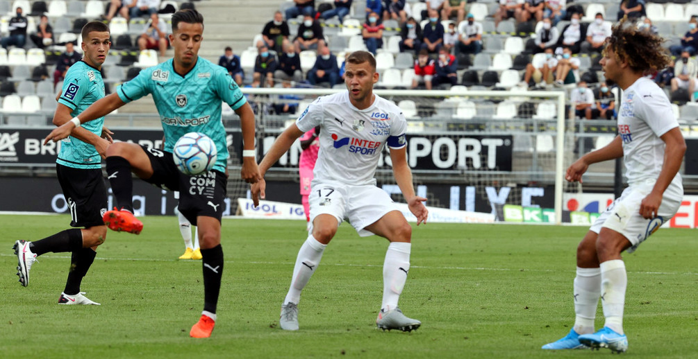 Face à un relégué de Ligue 1 Uber Eats, l'ASNL a fait jeu égal mais a manqué d'efficacité (photo Amiens SC).