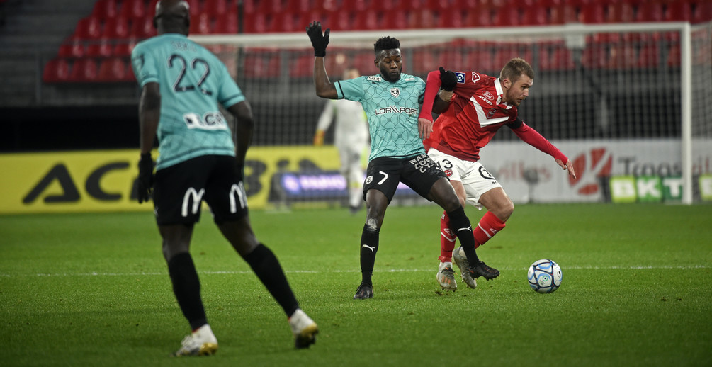 A dix contre onze, l'ASNL a inscrit trois buts et renversé le match (photo VAFC).