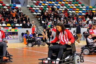 Une équipe mixte au foot fauteuil