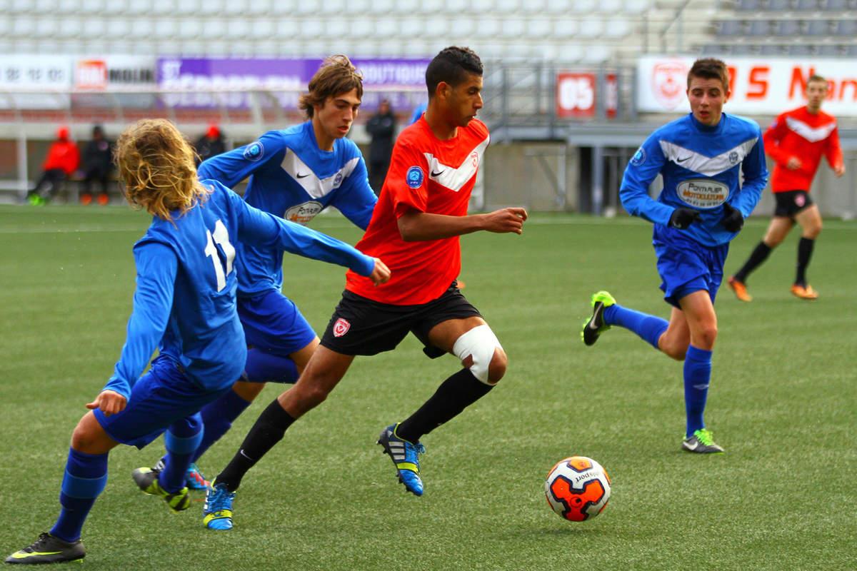 ASNL/Pontarlier en U19 - Photo n°4