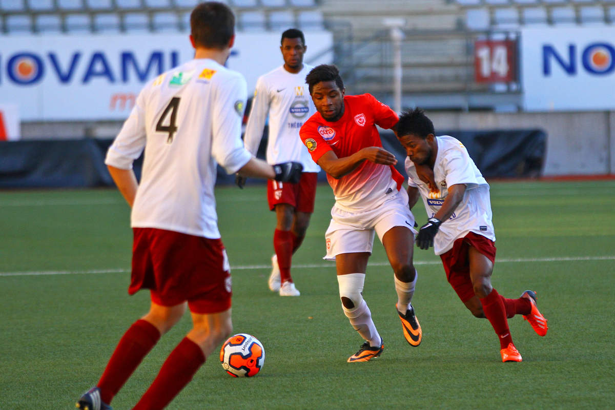 ASNL/Metz en CFA2 - Photo n°1