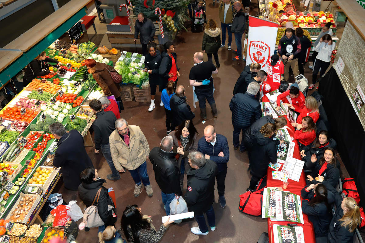 Les féminines au marché central - Photo n°18