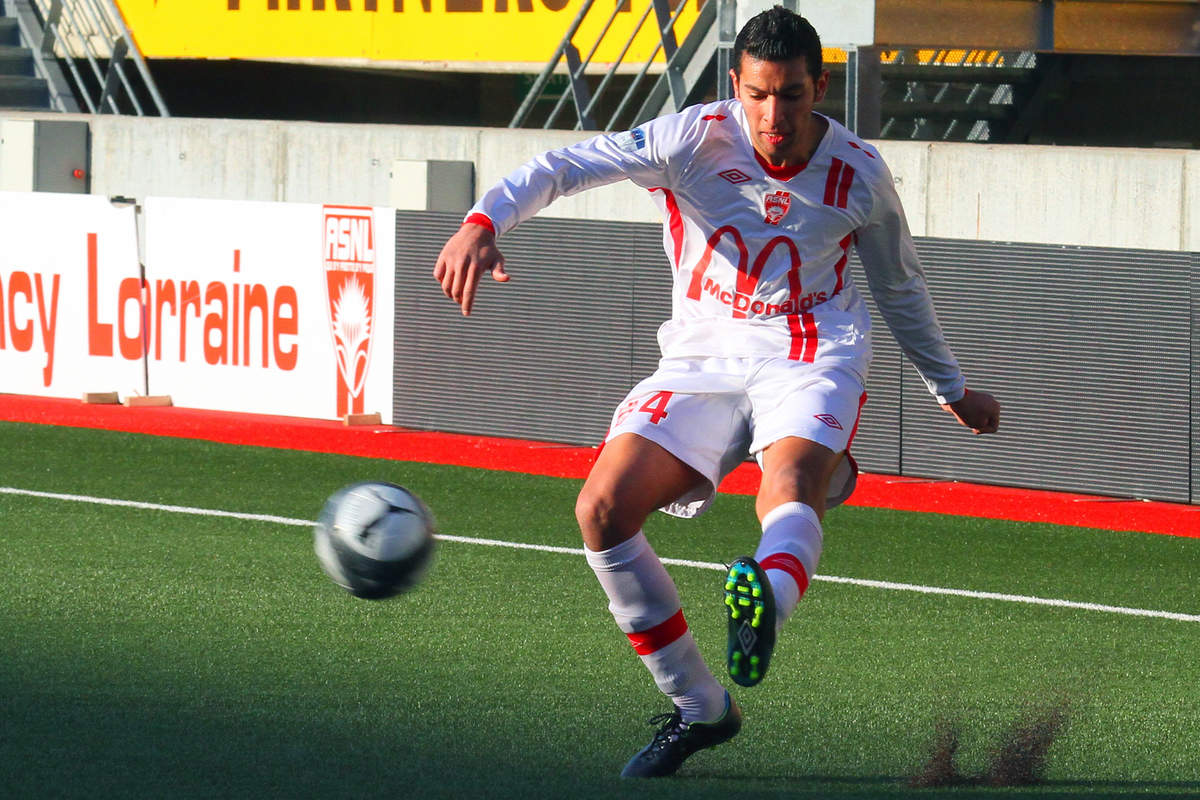 ASNL/Bourg-Peronnas en CFA - Photo n°12