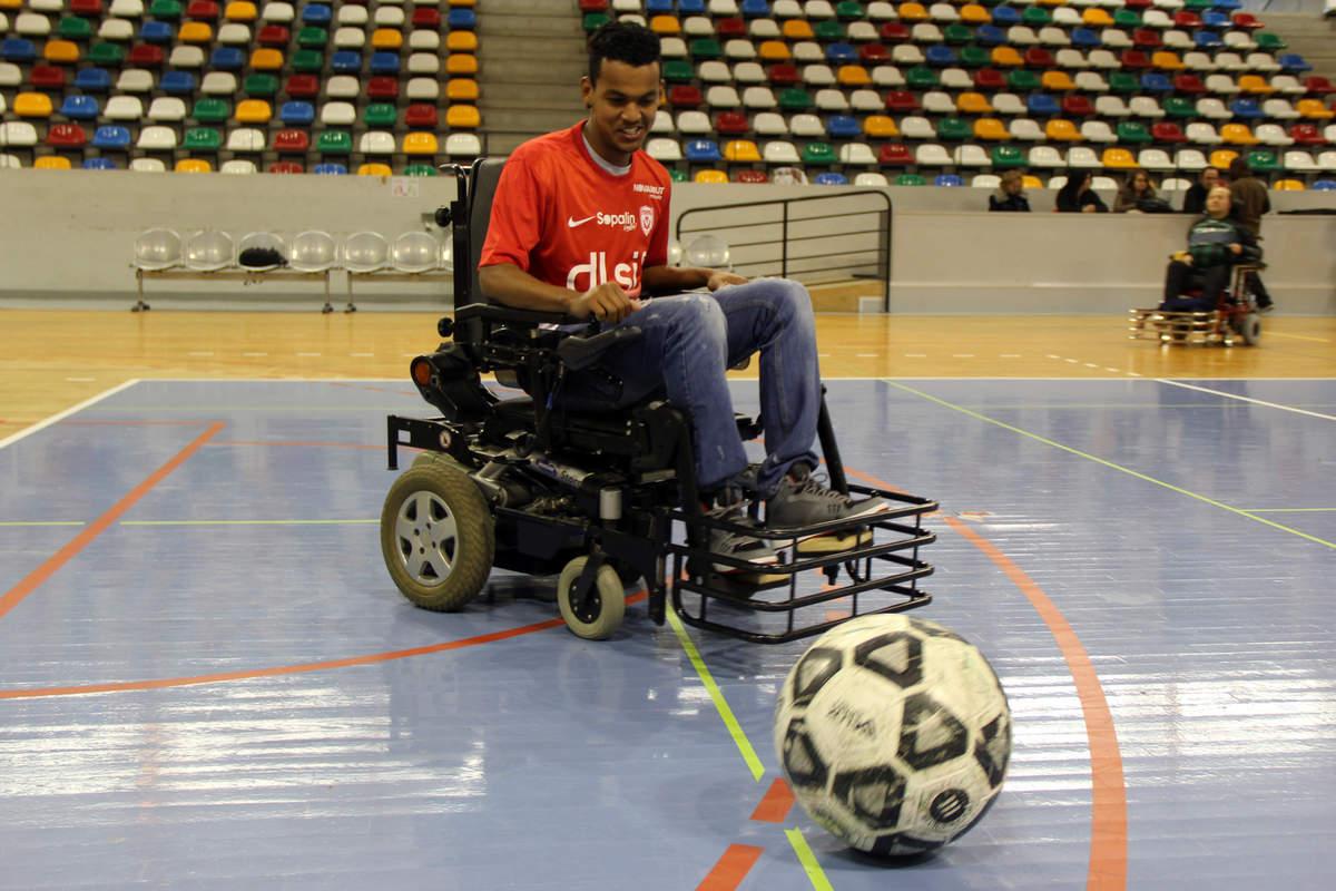 Vandoeuvre-Nancy en foot fauteuil - Photo n°2