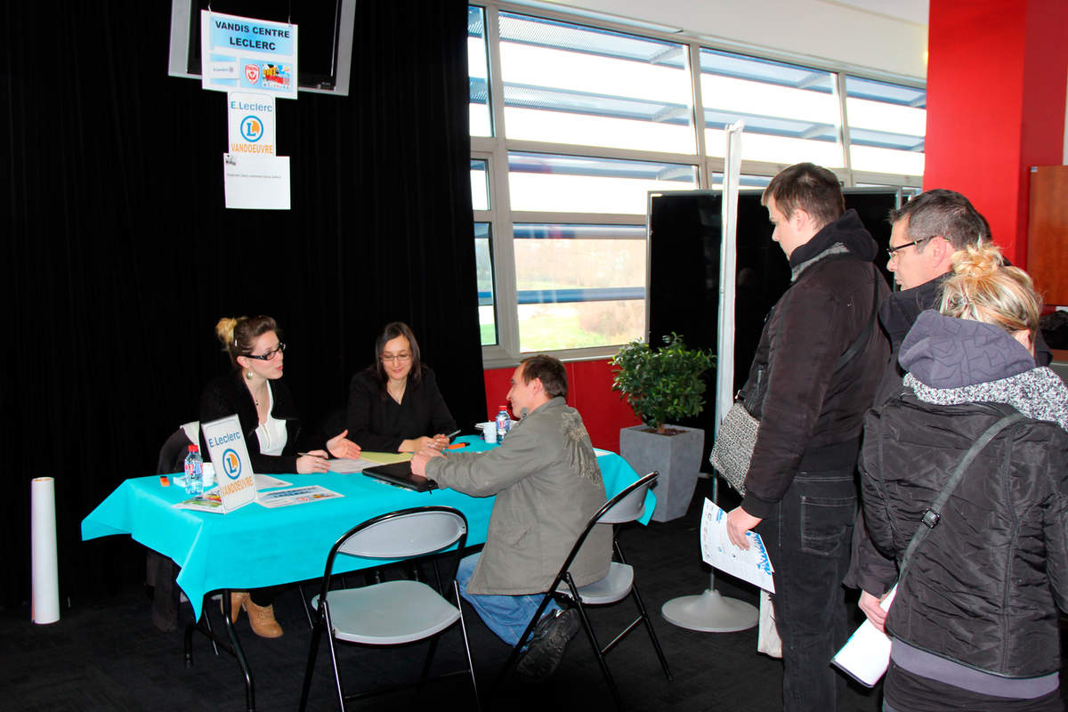 Le 3ème forum de l'emploi - Photo n°2