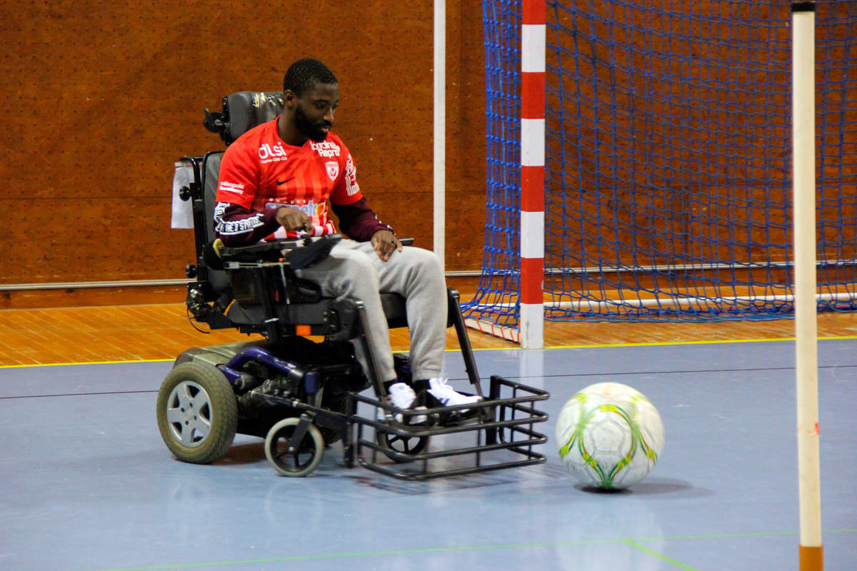 Du foot en fauteuil - Photo n°0