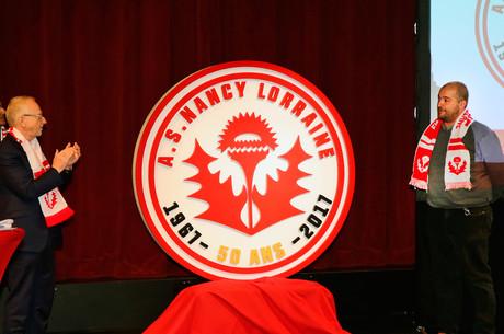 Le gagnant du logo des 50 ans