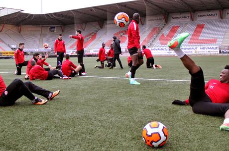 L'avant-match d'ASNL-CNFC