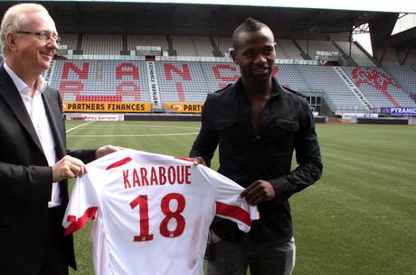 Karaboué, un renfort au milieu