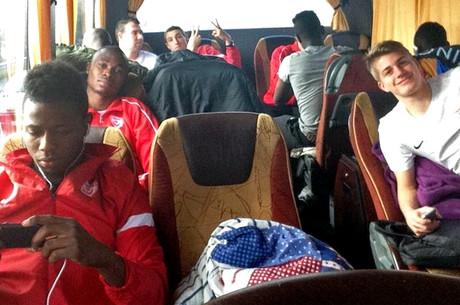 8 heures de bus