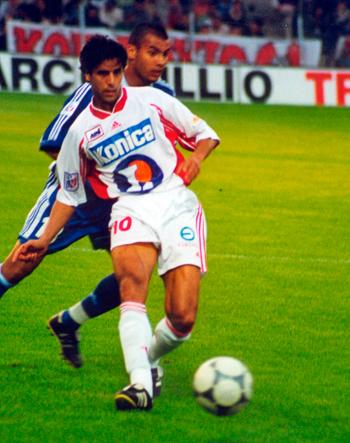 Milieu de 1999 à 2001 (32 matchs, 1 but)