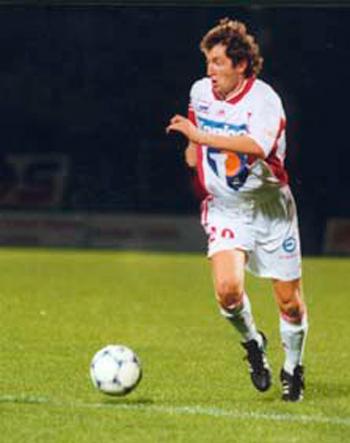 Milieu de 1999 à 2000 (27 matchs, 3 buts)