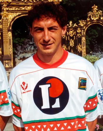 Défenseur de 1990 à 1992 (48 matchs)