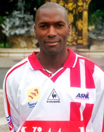 Défenseur de 2000 à 2002 (46 matchs, 3 buts)