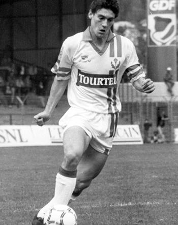 Défenseur de 1992 à 1995 (37 matchs, 1 but)