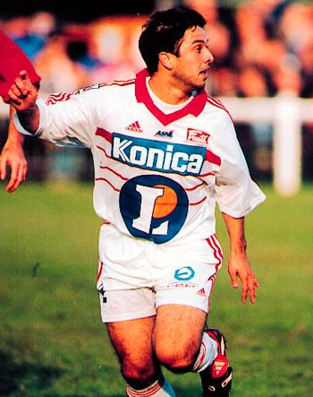 Attaquant de 1995 à 2001 (119 matchs, 28 buts)