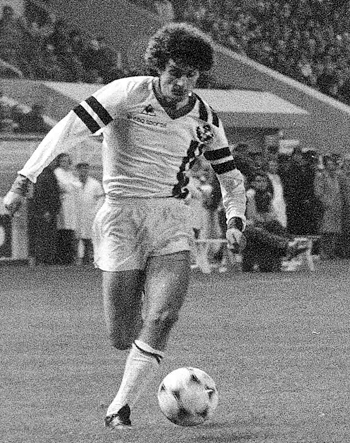 Milieu de 1980 à 1982 (62 matchs, 11 buts)