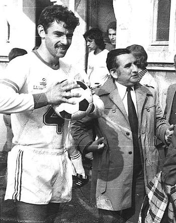 Défenseur de 1974 à 77 & de 1988 à 90 (76 matchs, 5 buts)