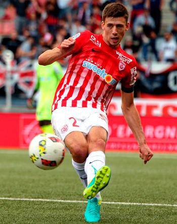 Défenseur de 2013 à 2016 (77 matchs, 2 buts)
