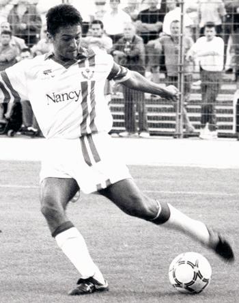 Défenseur de 1992 à 1994 (39 matchs, 1 but)