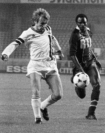 Défenseur de 1976 à 1982 (153 matchs, 8 buts)