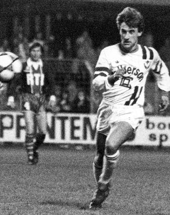 Attaquant de 1982 à 1987 (162 matchs, 30 buts)