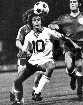 Milieu de terrain de 1972 à 1979 (182 matchs, 98 buts)