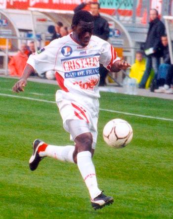 Attaquant de 1993 à 2004 (264 matchs, 28 buts)