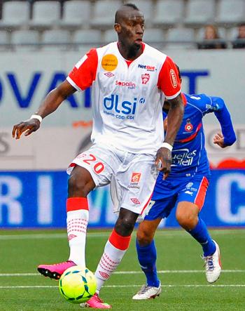 Défenseur de 2011 à 2013 (66 matchs, 5 buts)