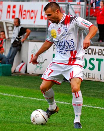 Défenseur de 2006 à 2008 (53 matchs, 2 buts)