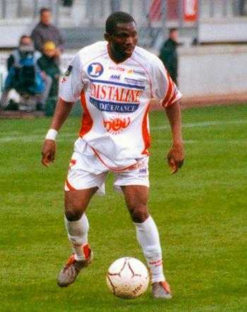 Attaquant de 2001 à 2004 (59 matchs, 8 buts)
